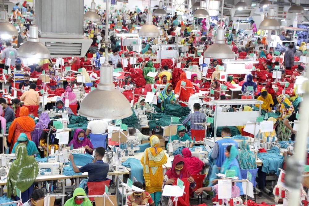Bild:Fast Fashion: Menschenrechte und Umwelt im Ausverkauf
